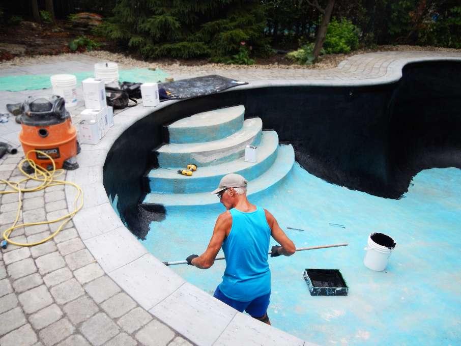 Peinture de piscine piscines et spas poseidon longueuil for Peinture de piscine