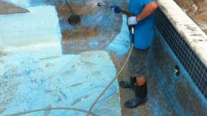 R paration piscine creus e poseidon montr al rive sud longueuil for Peinture piscine beton