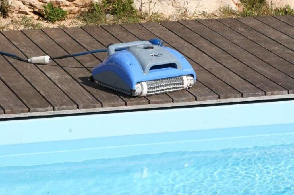 Dolphin m 200 poseidon for Balayeuse robot piscine