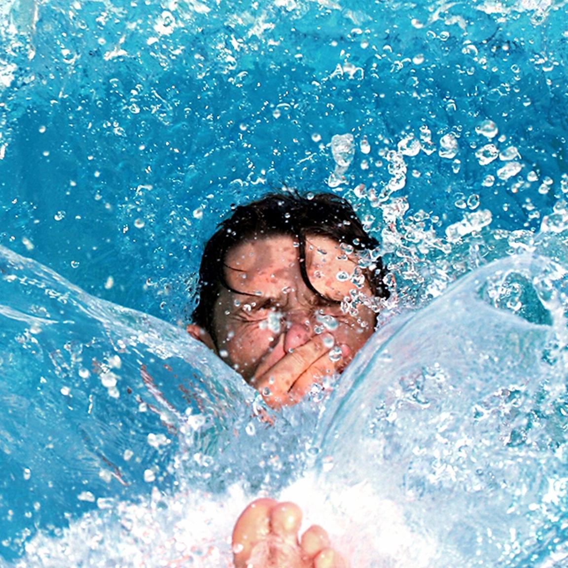 Poseidon entretien piscine spa montr al rive sud for Balayeuse de piscine